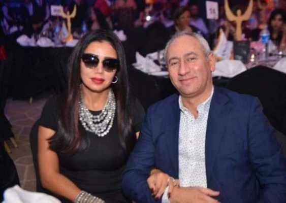 """بعد انفصالهما.. رانيا يوسف بفساتين """"مثيرة للجدل"""" وطليقها يظهر مع الجميلات!!"""