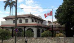 كندا تخفض عدد موظفيها الدبلوماسيين بكوبا للنصف بعد إصابتهم بمرض غامض
