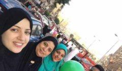 بعد الفيديو الأزمة… منى فاروق تظهر بالحجاب