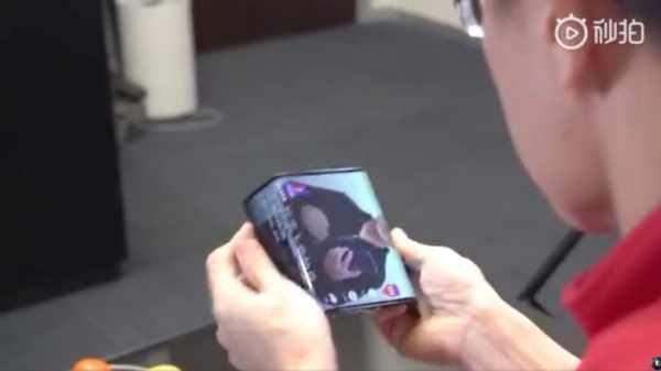 Xioami الصينية تكشف عن هاتف جديد قابل للطي .. بالفيديو