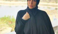 """الفنانة السورية سارة نخلة """"بالحجاب"""" لأول مرة بعد الحكم ببراءتها .. شاهد"""