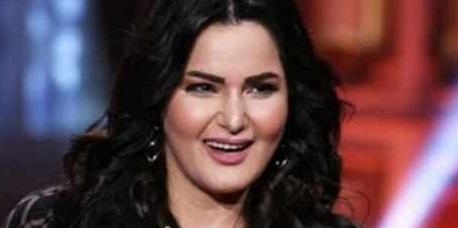 """فنانة مصرية تُجاوب على سؤال جريء من متابعيها بتعليق """"مجنون"""""""