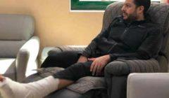 شهر راحة إجبارية لمحمد حماقي بعد الجراحة .. بالصور