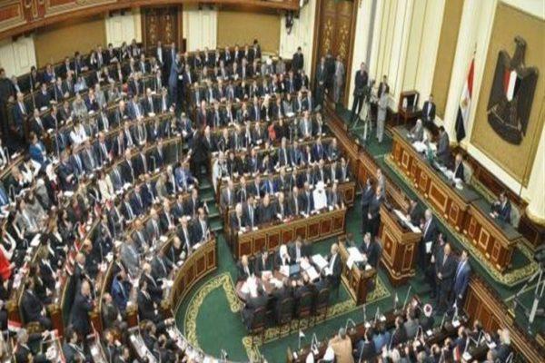 برلماني يتقدم بطلب إحاطة حول انتشار المطبات العشوائية
