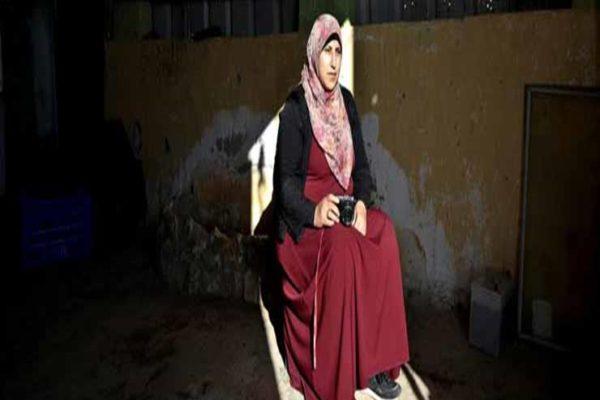 """""""وداعًا أم الحيران"""".. فلسطينيات يوثقن اللحظات الأخيرة قبل هدم الاحتلال منازلهن"""