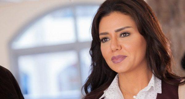 """صورة- بعد العديد من الإطلالات المثيرة.. رانيا يوسف بالحجاب من أجل """"حنية"""" في رمضان !!"""