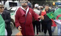 لماذا ارتدى متظاهر برنس حمام وحمل شامبو وسط مظاهرات الجزائر؟؟ - إليكم التفاصيل