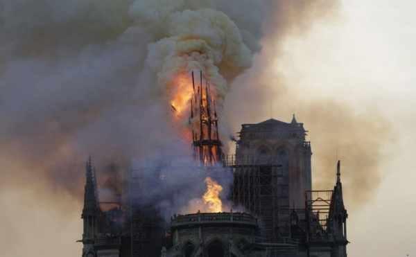 """فرنسا تتوصل إلى سبب محتمل لحريق كاتدرائية """"نوتردام"""".. ما هو؟!!"""