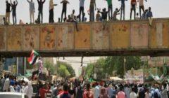 """قادة الاحتجاج في السودان يتهمون المجلس العسكري """"بإطالة أمد التفاوض"""" لنقل السلطة"""