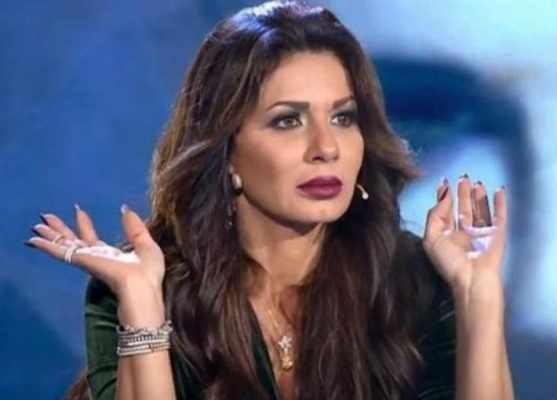 نجلاء بدر: أين الفن والإبداع في نهش قبور الغير !! إليكم ما حدث بمقابر عائلتها لن تصدقوا