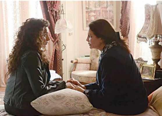 """""""نور"""" تبحث عن الحقيقة وراء مرض """"فريدة"""" النفسي ضمن أحداث الحلقة 7 من """"زي الشمس"""""""