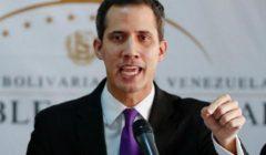 """المعارض الفنزويلي خوان جوايدو يندد بوفاة عسكري محتجز """"تعرض للتعذيب"""""""