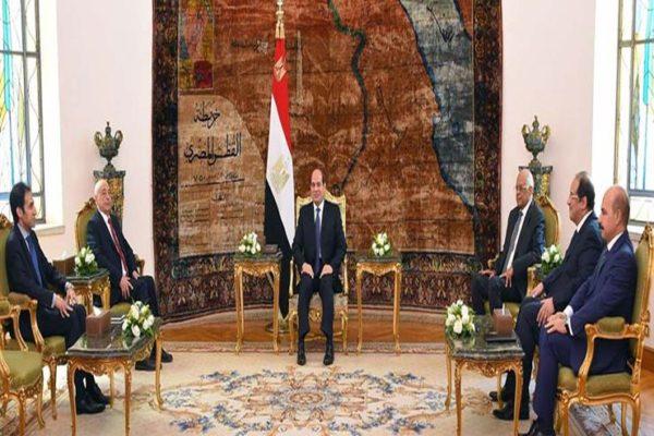 السيسي يعرب عن استعداد مصر مساعدة الأشقاء الليبيين على تسوية أزمتهم