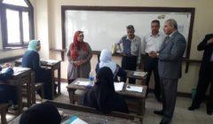 رئيس جامعة الأزهر يتفقد لجان امتحانات الثانوية بمعهد فتيات أرض الجنينة