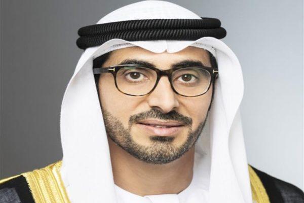 """""""الإمارات"""": إنهاء مشاكل العمالة المصرية.. والقانون يجرم حجز جواز السفر"""