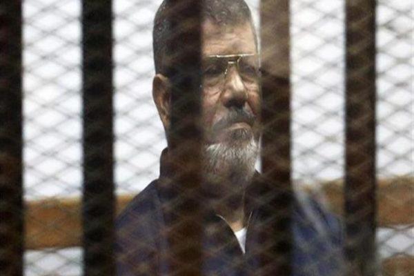 """""""تحدث 5 دقائق"""".. تفاصيل الجلسة الأخيرة في حياة محمد مرسي"""