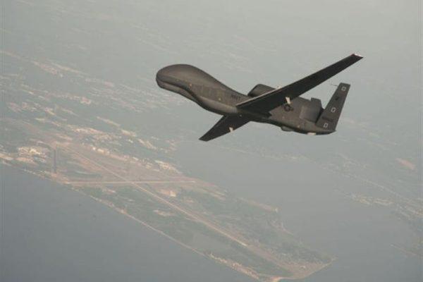 مسؤول أمريكي: صاروخ إيراني أسقط طائرة بدون طيار في المجال الجوي الدولي فوق خليج هرمز