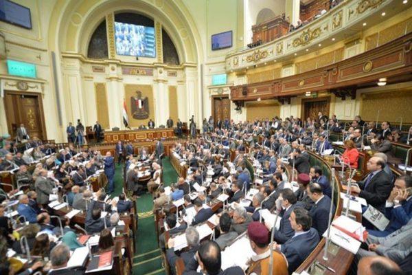 ملف الباعة الجائلين والمساجد الأثرية المهملة.. أبرز ما حدث بالبرلمان الأحد