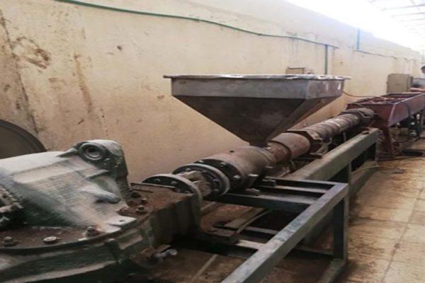 الأمن يداهم مصنعا لإنتاج المواسير الكهربائية المغشوشة في الاسكندرية