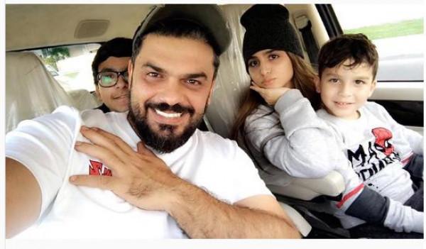 أول صورة عائلية تجمع حلا الترك بوالدها بعد القطيعة .. شاهد