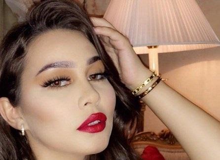 نجمة عربية تصدم متابعيها بصورتها الفاضحة على البحر.. وتعتذر !!!