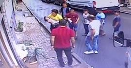 مشهد مروع لمراهق ينقذ حياة طفلة سقطت من الطابق الثاني (بالفيديو)