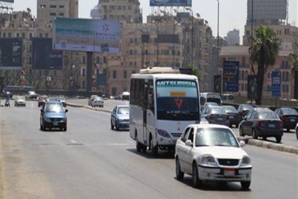 النشرة المرورية.. سيولة في حركة السيارات بمحاور وميادين القاهرة والجيزة