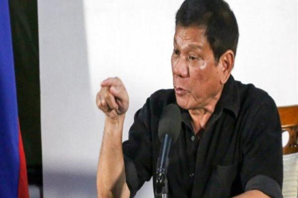 الرئيس الفلبيني يوقع قانونا يعاقب على الألفاظ الجنسية والمعاكسات