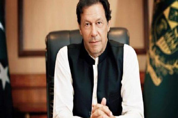 رئيس وزراء باكستان يعرب عن تعازيه لعائلات ضحايا حادث تصادم قطارين