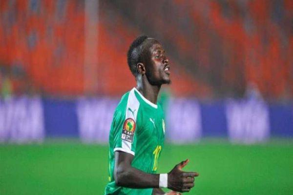 ماني الأبرز.. 10 لاعبين مهددين بالغياب عن نهائي أمم أفريقيا