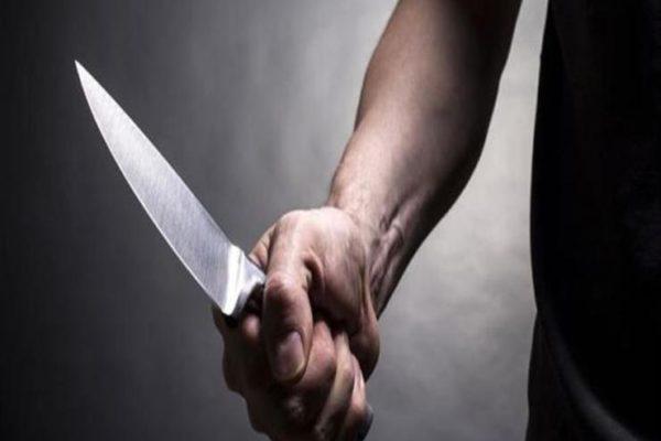 مشادة انتهت بطعنة بالرقبة.. سعودي يشرع في قتل صديقه بالدقي