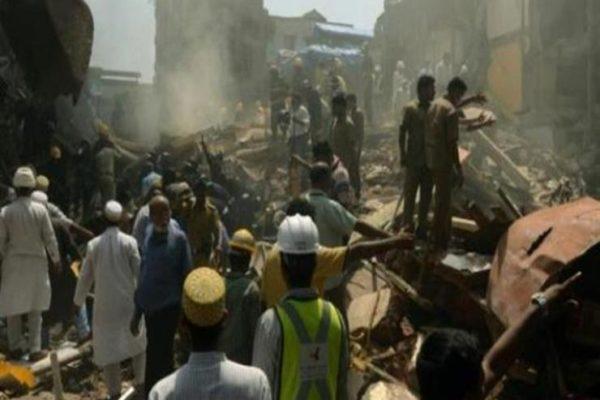ارتفاعه 23 مترًا.. مصرع عشرات الهنود بعد انهيار حائط على منازلهم