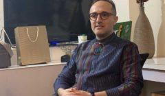 """""""شعري بدأ يقع"""".. رسالة جديدة من شريف مدكور عن علاجه بالكيماوي (فيديو)"""