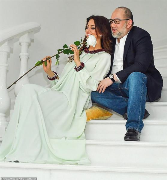 نهاية مُفجعة لقصة حبهما الأسطورية.. ملك ماليزيا يُطلق زوجته ملكة جمال روسيا !!! .. التفاصيل الكاملة
