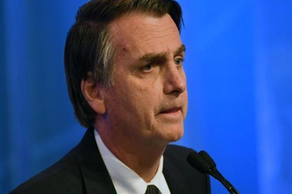 رئيس البرازيل يجدد شكوكه حول دور منظمات غير حكومية في حرائق الأمازون