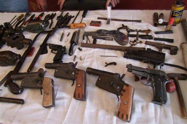 ضبط 4 تشكيلات عصابية و 69 قطعة سلاح ناري خلال يوم بالمحافظات