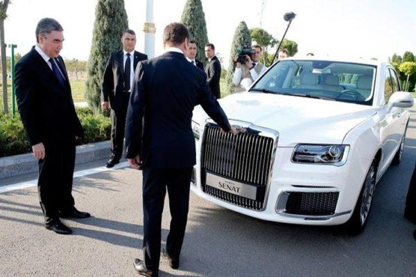 """الرئيس التركماني يسعى لاقتناء أسطول من سيارات """"أوروس"""" الروسية الفارهة"""