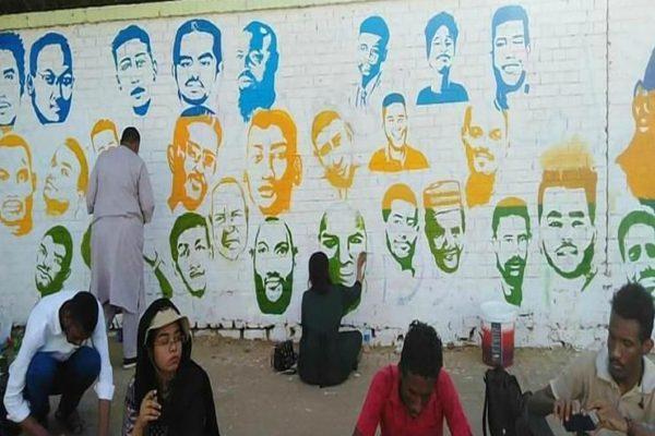 السودان: معارضون يحتجون على مسح جداريات الثورة