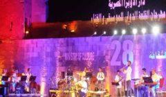"""""""كايرو ستيبس"""" تُشعل مهرجان القلعة للموسيقى والغناء"""