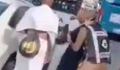 رجل أمن سعودي يؤدي التحية العسكرية لوالدته أثناء أدائها مناسك الحج (فيديو)
