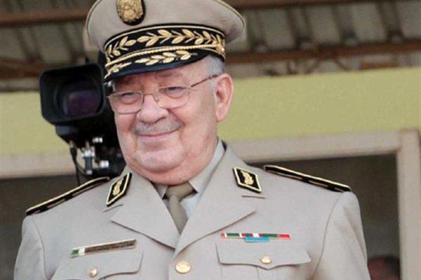 قايد صالح: كسب الشعب لرهان الانتخابات الرئاسية القادمة مسألة بديهية