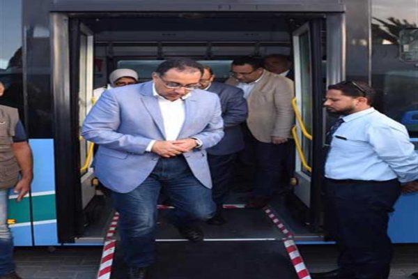 رئيس الوزراء يتفقد مستشفى السلام ببورسعيد