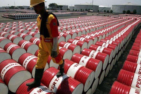 أسعار النفط ترتفع بعد هبوط مخزون الخام الأمريكية