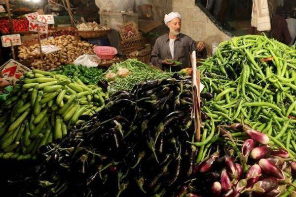 أسعار الخضر والألبان تقود التضخم الشهري للارتفاع 0.7% في أغسطس