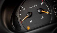إليك مخاطر قيادة السيارة بخزان شبه فارغ