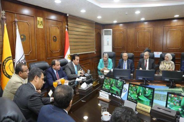 وزير التعليم العالي يترأس اجتماع مجلس جامعة بني سويف ...