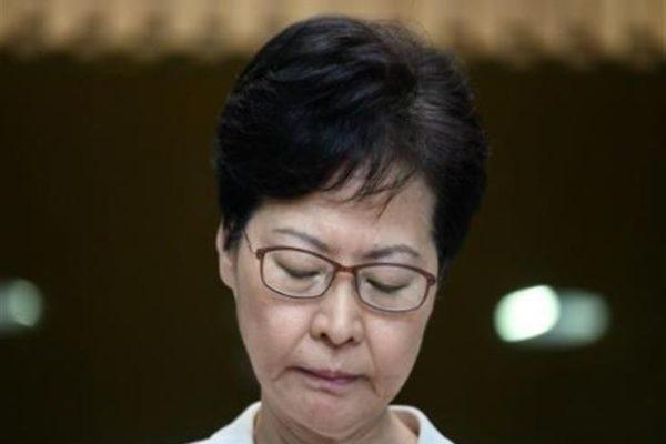 """""""جلسة حوار"""" في هونج كونج بين الرئيسية التنفيذية ونشطاء الاحتجاج"""