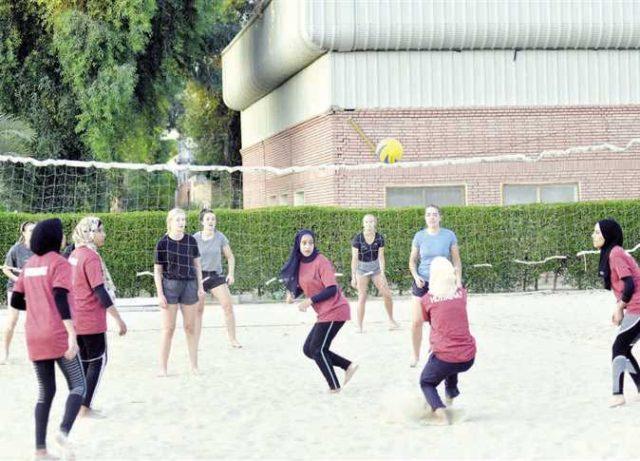 ختام أسبوع الصداقة المصرى الألمانى بإطلاق مبادرة «مصر جميلة»: بنات الأقصر يكتسحن «ميونيخ» فى «الطائرة» وسط أجواء كرنفالية