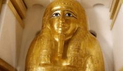 السلطات المصرية تسترد تابوت كاهن مصري قديم