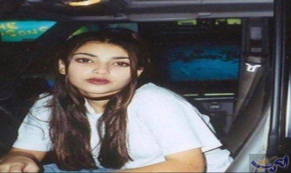 إطلالة طبيعية محتشمة لكيم كرادشيان في الـ16 عاماً تدهش الجميع - شاهد